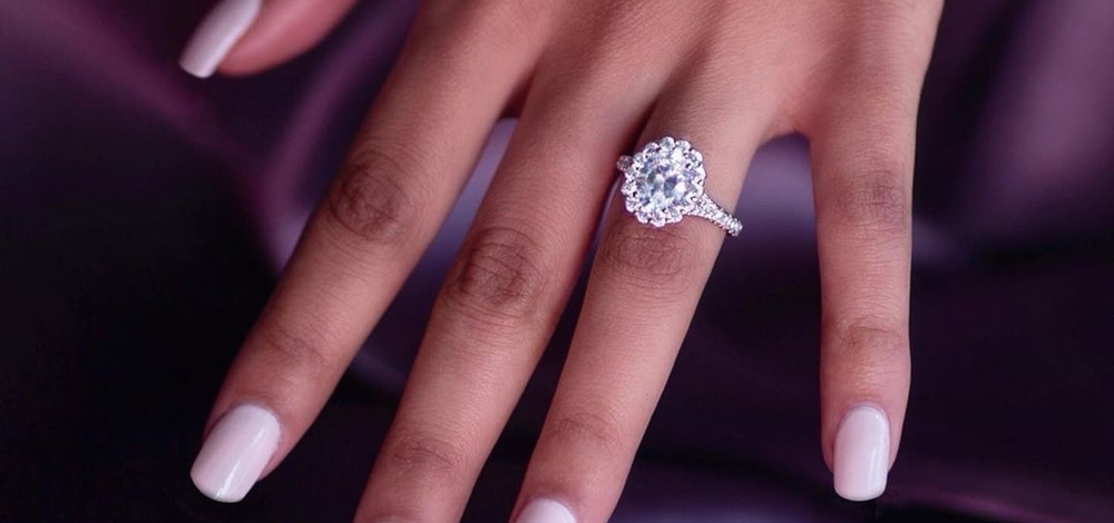 7 Timelessly Beautiful Oval Engagement Rings